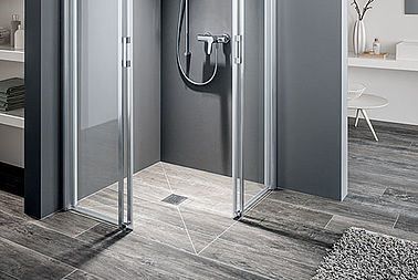 Kermi shower enclosure on Point wet floor system