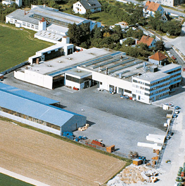 Historic aerial view of Kermi headquarters in Plattling (1973)