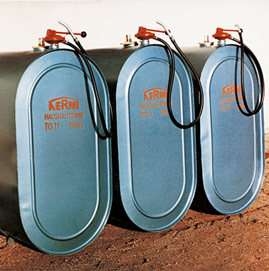 Historic picture of a Kermi heating oil tank (1960s)