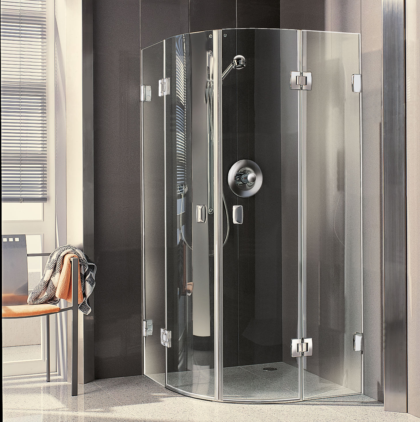 A modern Kermi shower enclosure from the all-glass range (2000)