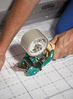 Kermi x-net C17: x-net adhesive tape for straightforward, fast and reliable connection of insulation joints
