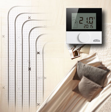 The comfort control for the x-net underfloor heating and cooling, which is attached to the wall in the respective room, is connected to x-center base by radio