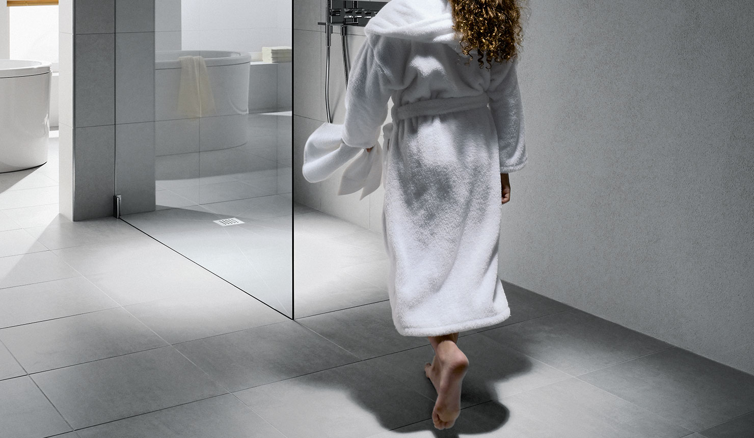 Kermi Walk-In shower enclosure on Point wet floor system